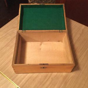 FURTHER REDUCED! Beautiful decorative vintage box Regina Regina Area image 4