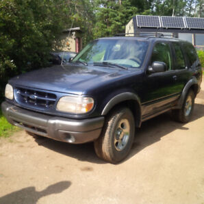 1999 Ford Explorer Sport 4X4 with Trailer Package