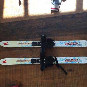 Madshus snow pup skiis