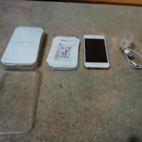 Barely Used Excellent condition iPod Touch 5 Silver. REDUCED