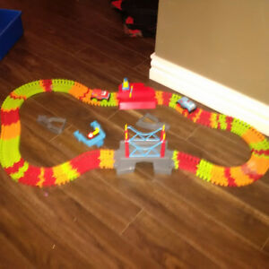 Car Track with 2 Cars
