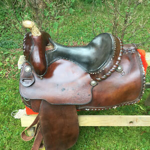 Western Saddle with Rawhide Horn 16""