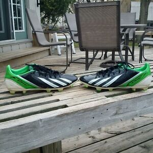 Soccer Shoes size 9