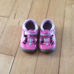 Girls Stride Rite shoes size 5