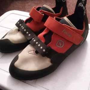 Like new Scarpa Force mens10.5 climbing shoes