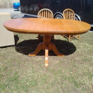 Oak table and chairs- Solid Mennonite made
