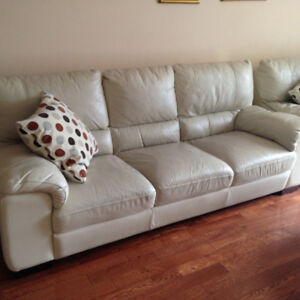 white leather sofa 3 seater in good condition