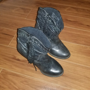 Western ankle boots - worn once!