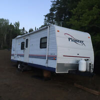 2004 Pioneer trailer/roulotte