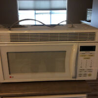 LG Overhead Microwave in Great condition