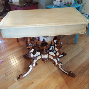 Antique table with alot of detail
