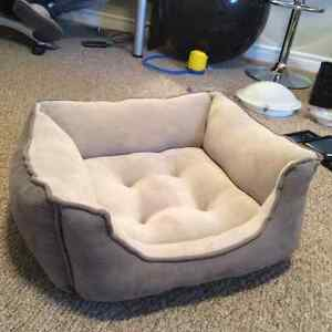Dog bed for small-medium dogs (moving sale!!!)