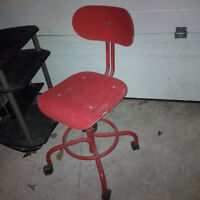 Red Chairs With Wheel Set