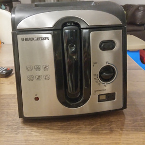Friteuse Black & Decker 2L - modèle DF450C