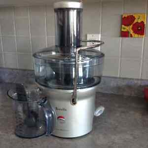 Compact Breville Fountain Juicer