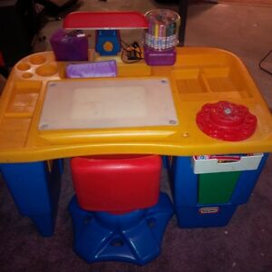 Little Tikes Desk with light