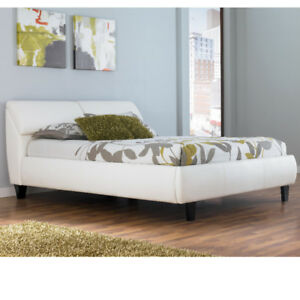 ASHLEY FURNITURE - Queen size bedroom set