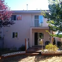 2 bedroom townhouse in Summerland for rent