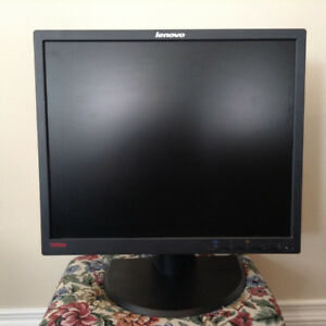 "19"" LCD Monitor LENOVO THINKVISION L1900pa Model 4431 - HE1"