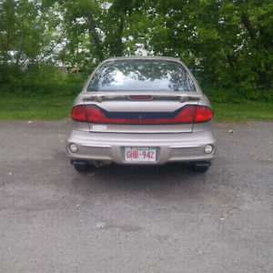 Sunfire 2003 for sale to be fix or parts car