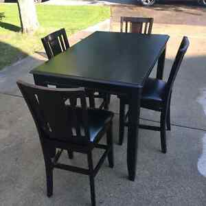 Black Counter Height DIning Room Table With 4 Chairs