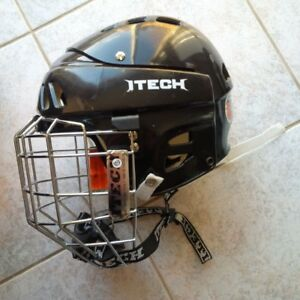 "ITech Hockey Helmet – Medium 21.2""-22.4"""