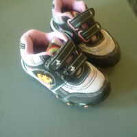 Dora Running Shoes-size 6