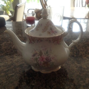 Royal Albert Serenity teapot and 5 cups and saucers