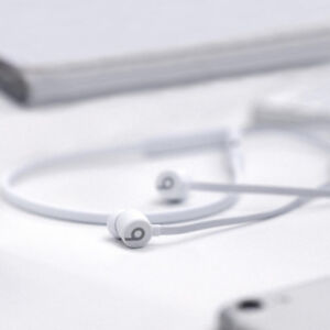 New White BeatsX by Dr. Dre (In-Ear Bluetooth Headphones)
