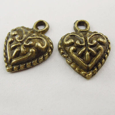 80 pcs Antiqued Bronze Alloy Flower Pattern Heart Shaped Pendant Charm - Antiqued Bronze Pattern