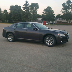 2013 Chrysler300 Leather Seats Command Start Panoramic Moonroof
