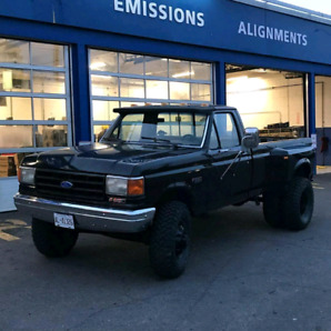 1988 Ford F350 Dually *Lifted*
