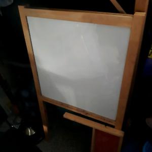 White Board/Chalk Board