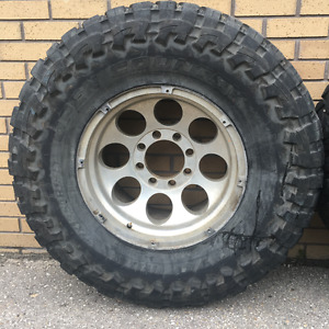 2, 18'' FORD F-250, F-350 RIMS WITH 37X13.50R18LT TOYO M/T TIRES