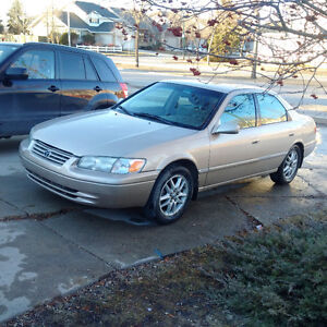 2001 Toyota Camry XLE Sedan 3500 Safetied, Great Deal !!!