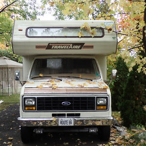 Motorhome RV 21 ft Ford 1984, 180 000km, clean, Sleeps 6 Ready West Island Greater Montréal image 2