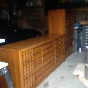 1970 retro Canadian solid wood bedroom suite