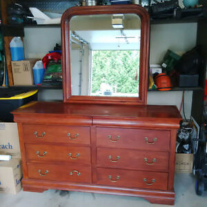 Bedroom Dresser Mirror and Chest of Drawers