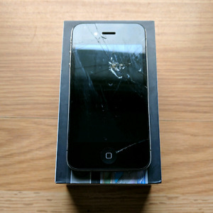 Cracked 16GB iPhone 4 (Telus/Koodo)