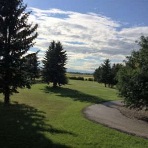 Lovely Home on 10 Acres 9 Minutes from Calgary City Limits