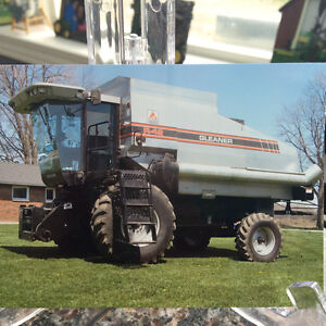 Gleaner R42 Rotary Combine in excellent condition
