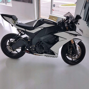 2008 zx10r ninja wrapped ferrari satin white