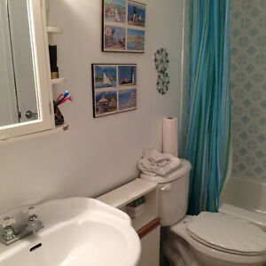 Fairview nearby Bedroom for rent in House with shared bathrooms West Island Greater Montréal image 3