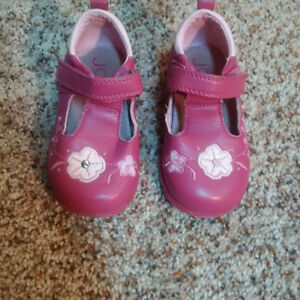 Pink Mary Jane shoes-Size 4