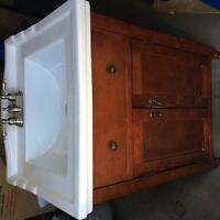 single faucet sink and vanity