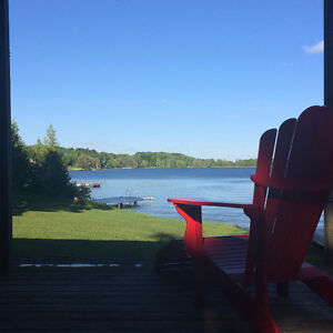 WATERFRONT COTTAGE / SKI CHALET FOR RENT. 4 BEDROOM