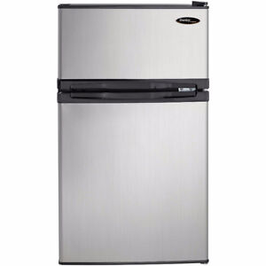 Danby Compact Fridge/Top Freezer 3.1 cu ft (Stainless Steel)