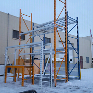 Pallet racking shelving . Many sizes and capacity available.