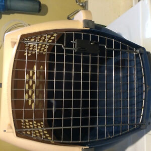 Petmate Dog/Cat Carrier Cage