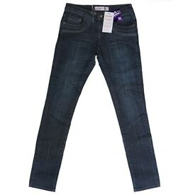 BRAND NEW LADIES JEANS IN SIZES 8-12 - THIS IS FOR 10 PAIRS RRP £30 ON TAGS